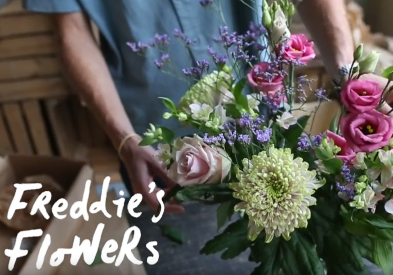 How to Arrange a Seasonal Bouquet of Blooms